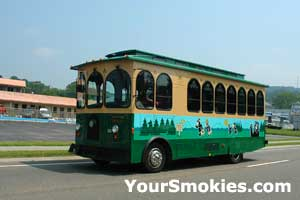Pigeon Forge TN trolly for sightseeing on the parkway
